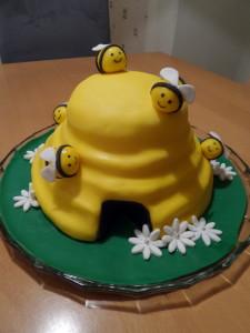 Fondant Torte Biene Bienenstock