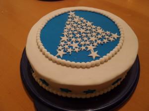 Fondant Torte Weihnachtsbaum aus Sternen